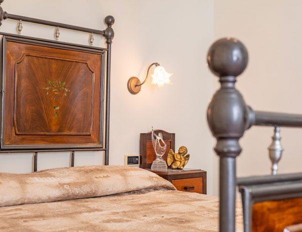 dettagli-camera-appartamento-assisi